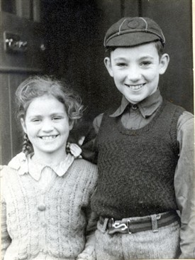 Photo:Brothers and sisters played together - Linda and Peter Prior